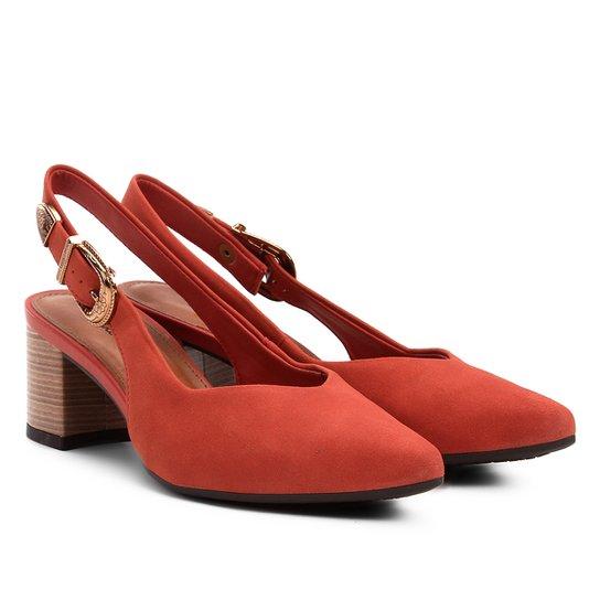 4aa0ca4703 Scarpin Dakota Salto Médio Chanel Bico Fino - Coral - Compre Agora ...