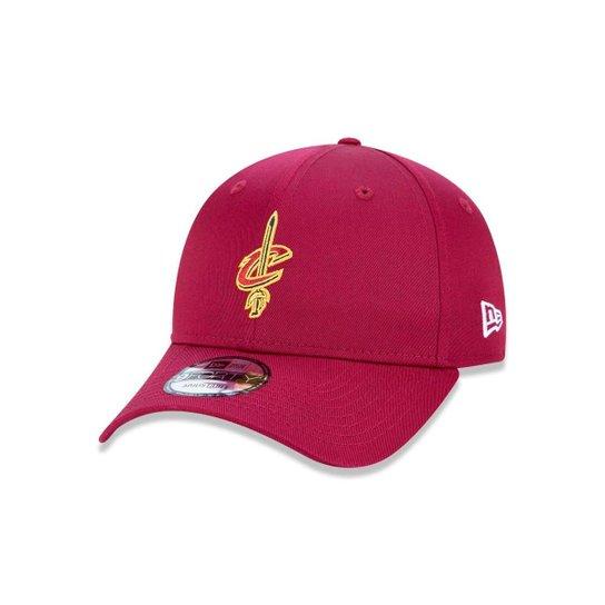 00f2386d008 Boné 940 Cleveland Cavaliers NBA Aba Curva Snapback New Era - Vermelho  Escuro