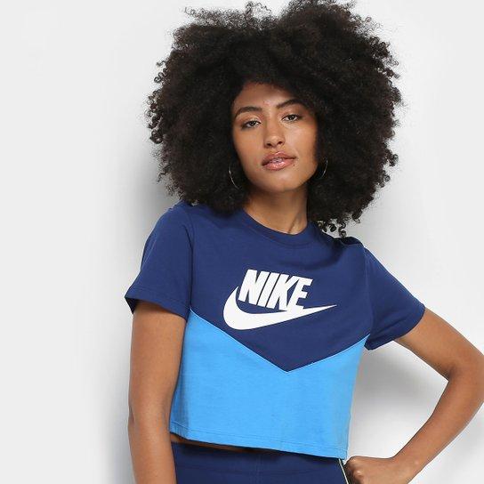 d1773374a8b Camiseta Nike Cropped Bicolor Estampa Logo NSW HRTK TOP SS Feminina - Azul  Piscina+Branco