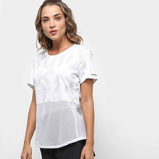 72fe5c2eec5dc Camisetas e Artigos Esportivos Femininos