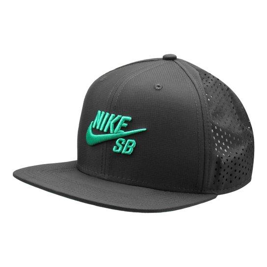 Boné Nike SB Aba Reta Performance Trucker - Verde e Preto - Compre ... 979fd33a491