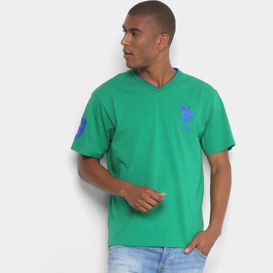 e027736fe Camiseta U.S. Polo Assn Bordado Gola V Masculina - Verde