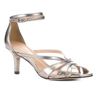 14aa47f9d Sandália Shoestock Salto Fino Strappy Metalizada Feminina