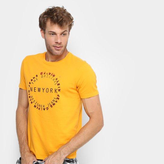 7b11e02ff2 Camiseta Calvin Klein New York Masculina - Amarelo Escuro