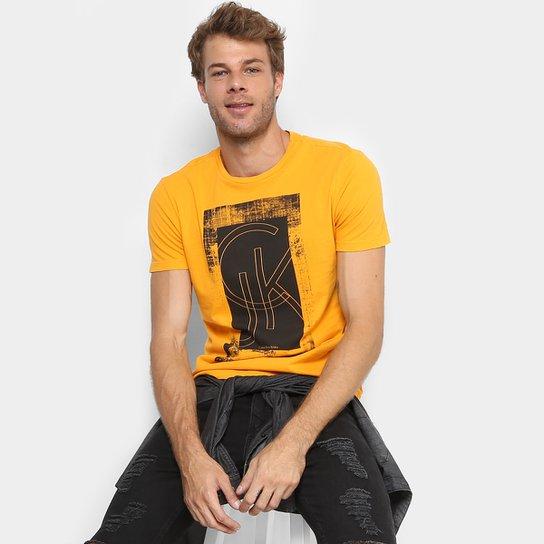 7adeac7999 Camiseta Calvin Klein Estampada Masculina - Amarelo Escuro