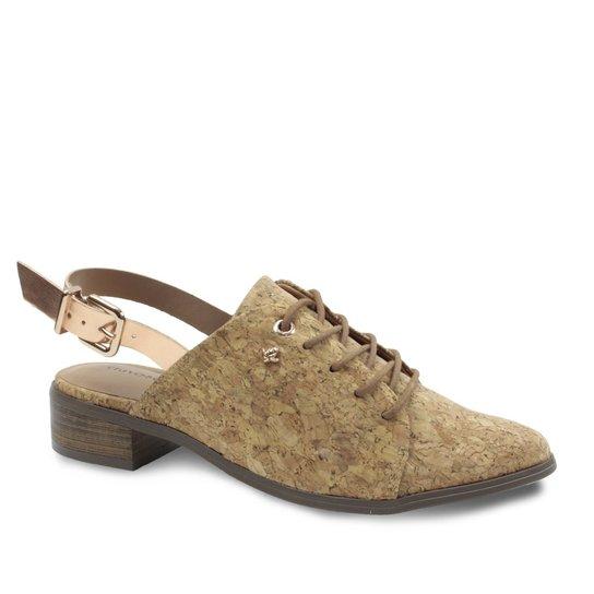 17f27a61c Sapato Chanel Feminino Cravo e Canela com Fivela - Dourado | Zattini