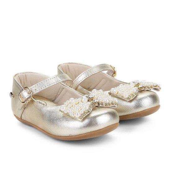 ace9633b4bb Sapato Infantil Klin Pérolas Princess Feminino - Compre Agora