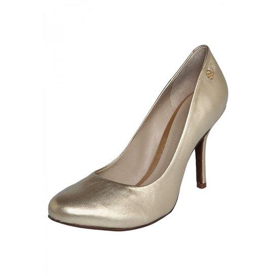 a053b2bea2 Sapato Feminino Capodarte - Dourado - Compre Agora