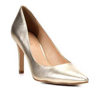 aaa146905b Scarpin Couro Shoestock Salto Alto Metalizado