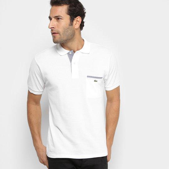 8f21ff5155b Camisa Polo Lacoste Original Fit Bolso - Branco e Salmão - Compre ...