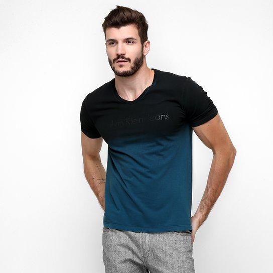 dbfc4de09eb51 Camiseta Calvin Klein Gola V Degradê - Compre Agora