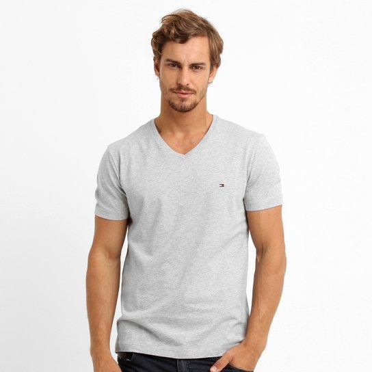 83e79c78f78e2 Camiseta Tommy Hilfiger Básica Gola V - Compre Agora   Zattini