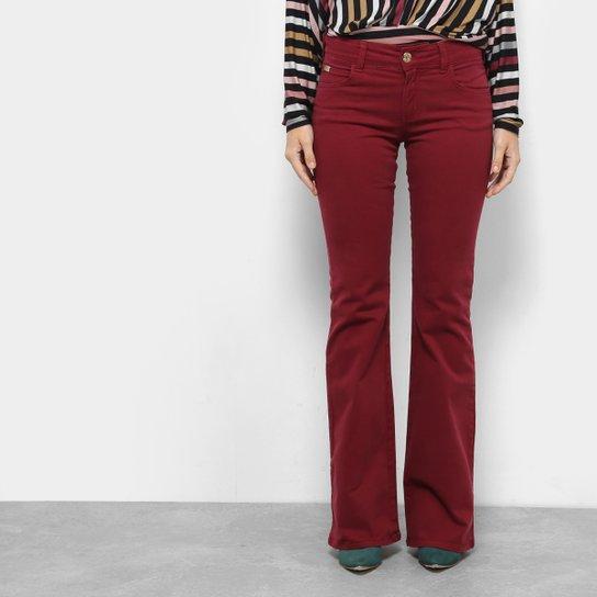 1df3b87f6 Calça Jeans Flare Colcci Sarja Cintura Média Feminina - Bordô   Zattini