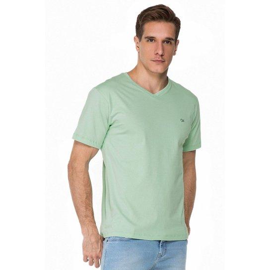 736c1850d1c Camiseta Ogochi Básica Lisa - Compre Agora