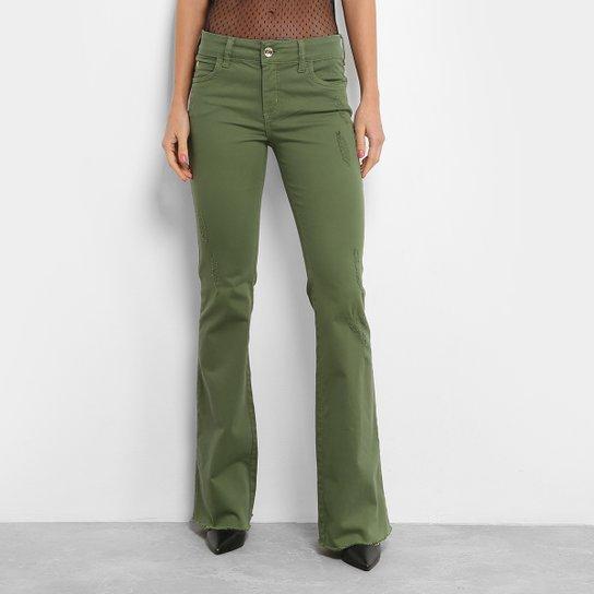93233ef64 Calça Flare Colcci Sarja Base Fátima Color Puídos Cintura Média Feminina -  Verde Militar