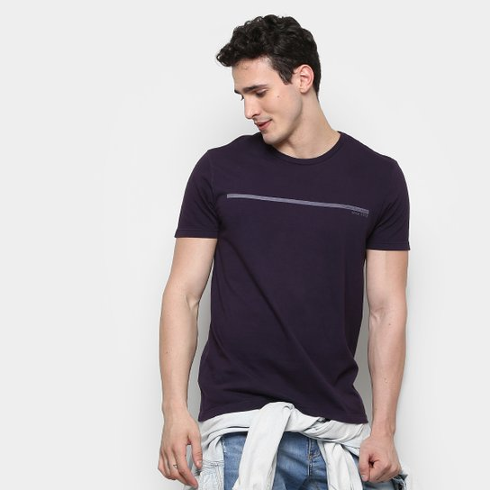 4461457255 Camiseta Calvin Klein Estampa Logo Palito Masculina - Roxo