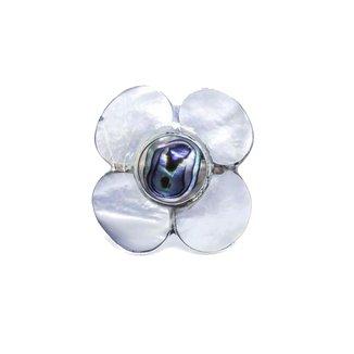 Anel De  Prata 925 Flor De Madreperola Kumbayá Joias