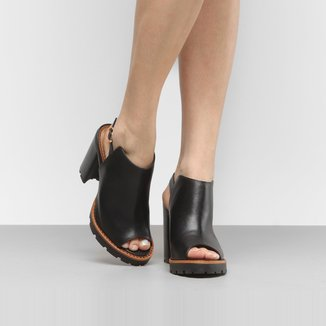 Ankle Boot Couro Carrano Tratorada