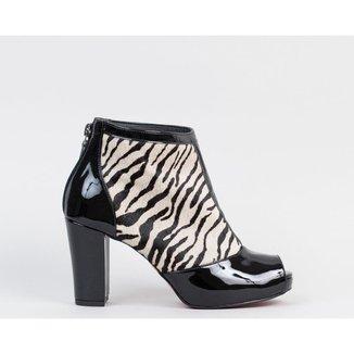 Ankle Boot Salto Bloco 10cm Pelo Zebra CBK Feminina
