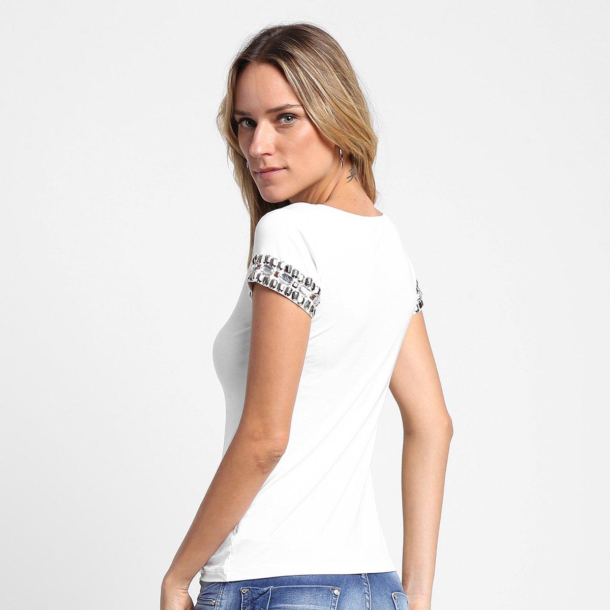 Blusa Disparate Decote V Bordado - Compre Agora  f916eda169b06