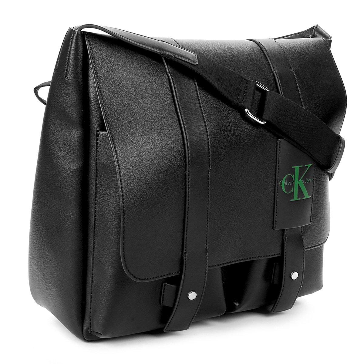 Bolsa Carteiro Calvin Klein Masculina - Preto - Compre Agora   Zattini 20d47b642f