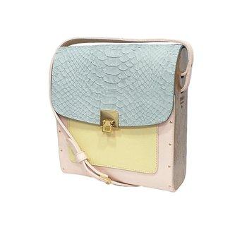 Bolsa couro Armazem RR Bijoux com lateral em madeira média verde e rosa