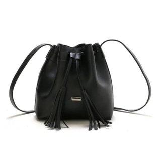 Bolsa Saco Alça Transversal Com Cordão Ajustável Feminina