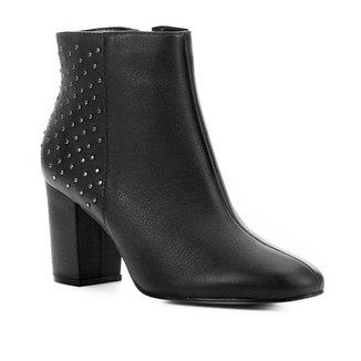 Bota Cano Curto Couro Shoestock Tachas Feminina