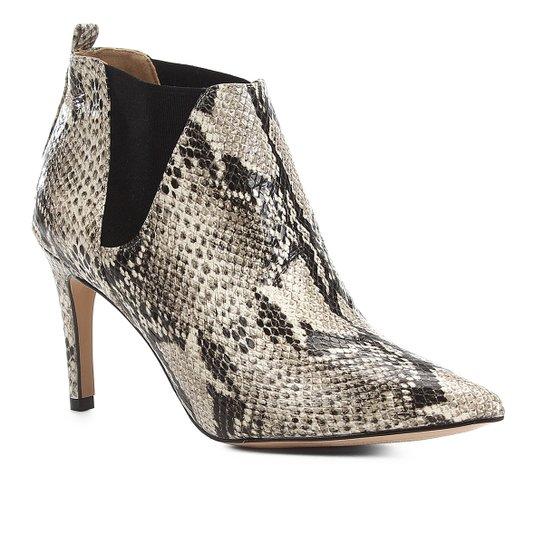 Bota Cano Curto Shoestock Salto Fino Snake Feminina - Bege