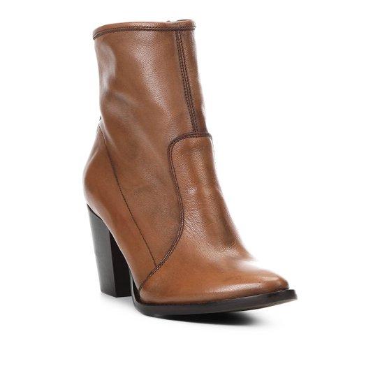 Bota Couro Cano Curto Shoestock Bico Fino Feminina - Caramelo