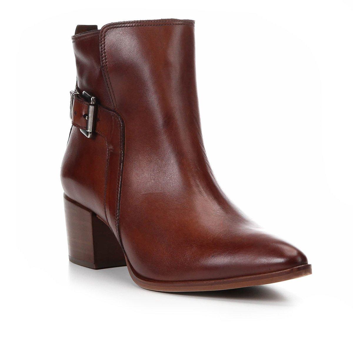 0221ff16b2 Bota Couro Cano Curto Shoestock Bico Fino Fivela Feminina - Marrom ...