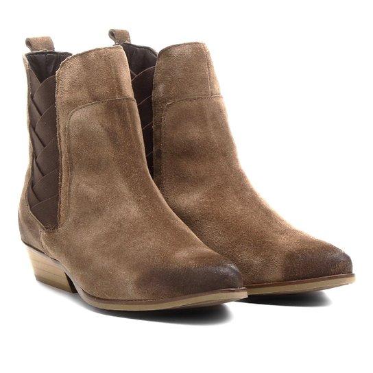 Bota Couro Chelsea Shoestock Bico Fino Elásticos Transpassados Feminina - Bege