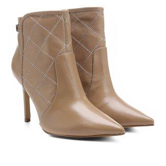 Bota Couro Shoestock Bico Fino Curto Matelassê Feminina