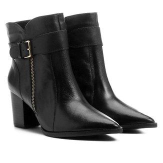 Bota Couro Shoestock Cano Curto Bico Fino Feminina