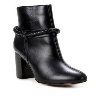 Bota Couro Shoestock Cano Curto Tressê Feminina