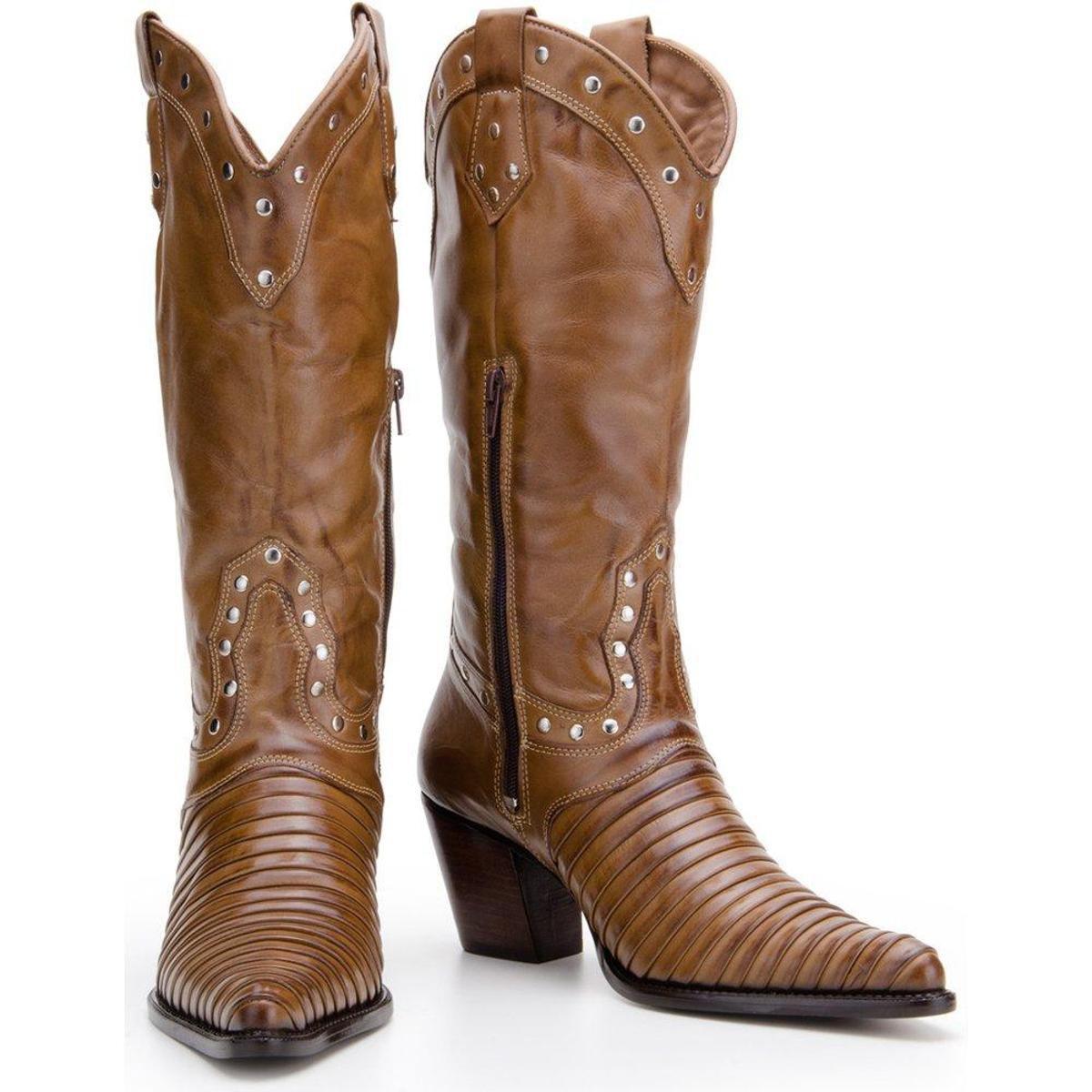Bota Texana Country Capelli Boots em Couro com Aplicações Metálicas Feminina - Marrom Claro