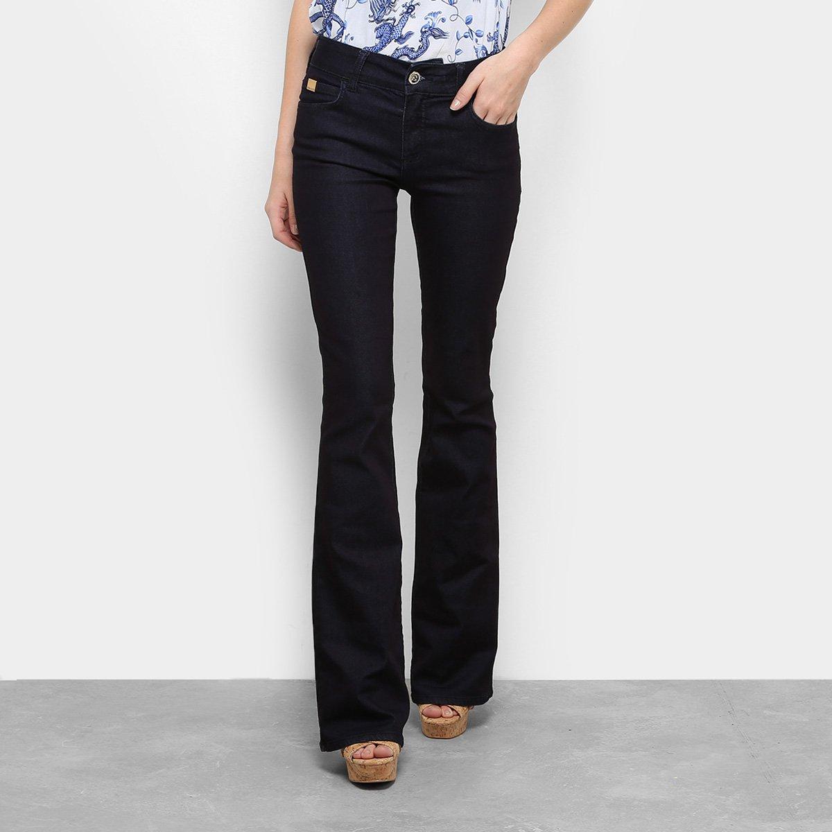 06c1df64b12dc Calça Jeans Flare Colcci Fatima Lavagem Escura Feminina - Compre ...