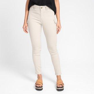 Calça Jeans Grifle Cargo Cintura Média Feminina