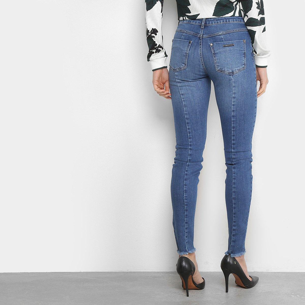 328dd67330 Calça Jeans Skinny Forum Marisa Cintura Média Feminina - Compre ...