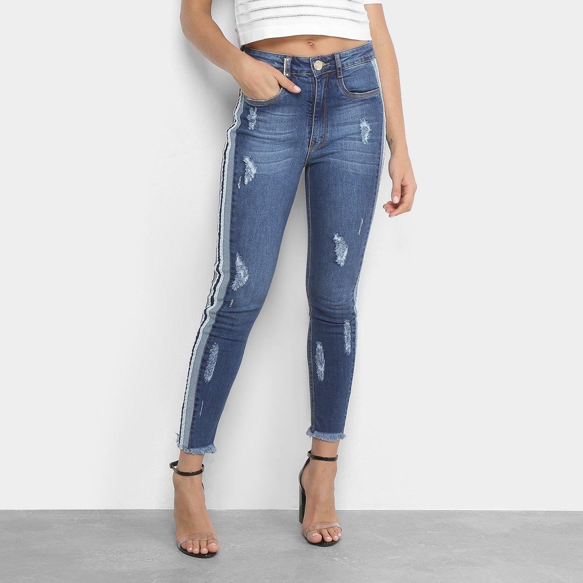95da049dc4 Calça Jeans Skinny Lança Perfume Estonada Puídos Listras Laterais Barra  Desfiada   Zattini