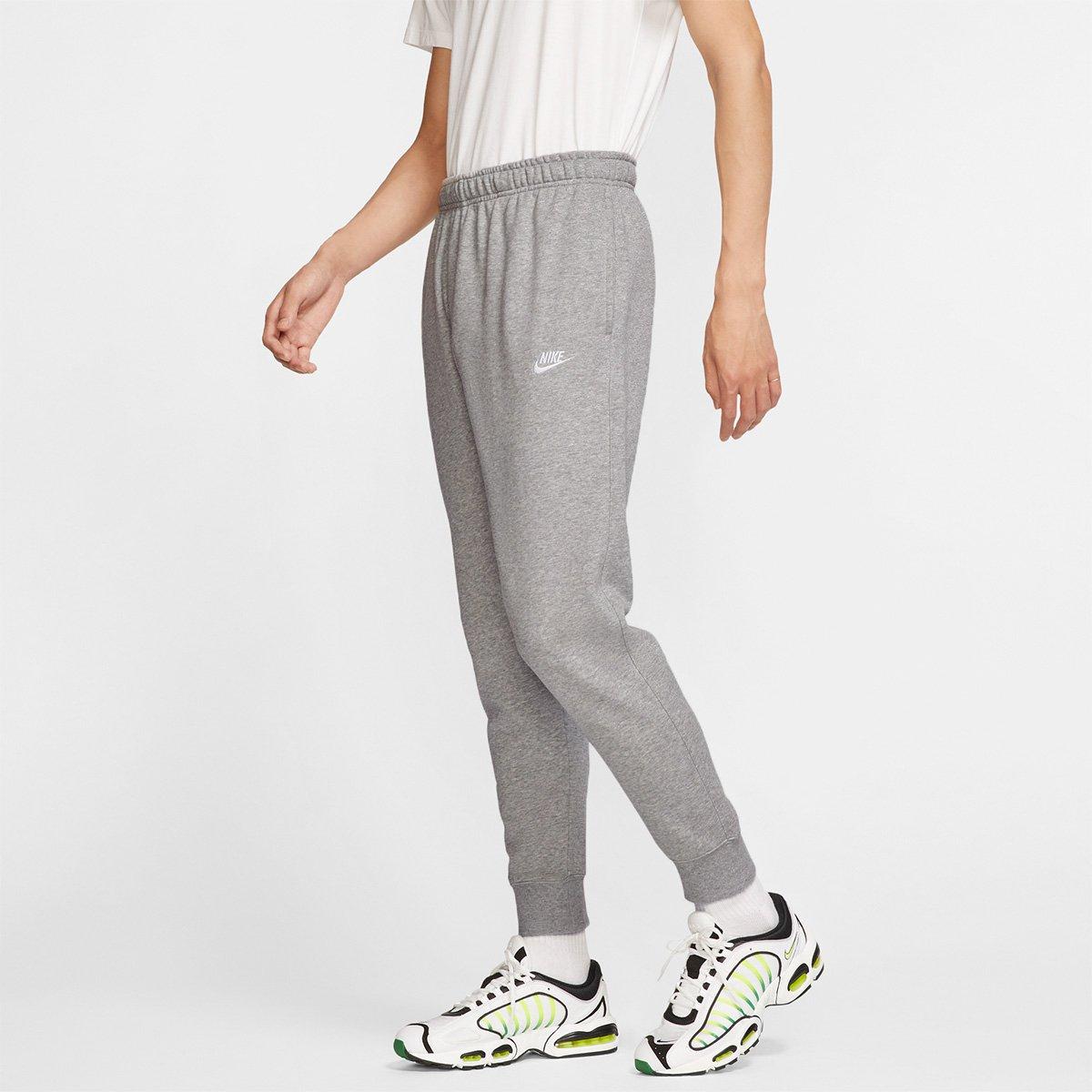 Menor preço em Calça Jogger Moletom Nike Sportswear Club Masculina - Cinza e Branco