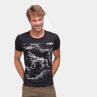 Camiseta Acostamento Estampada Manga Curta Masculina