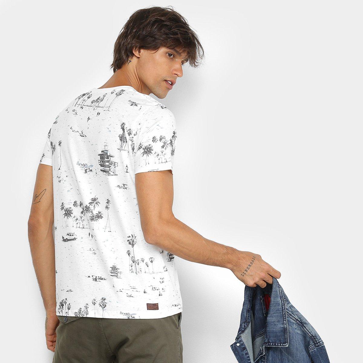 Camiseta Colcci Estampa Tropical Masculina  Camiseta Colcci Estampa  Tropical Masculina ... c55d418c958