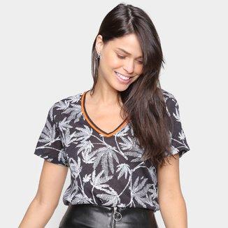 Camiseta Ellus Folhagem Gola V Feminina