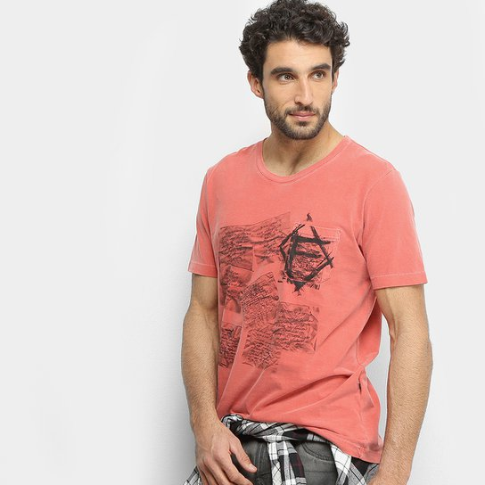 Camiseta Forum Cartas Bolso Masculina - Vermelho