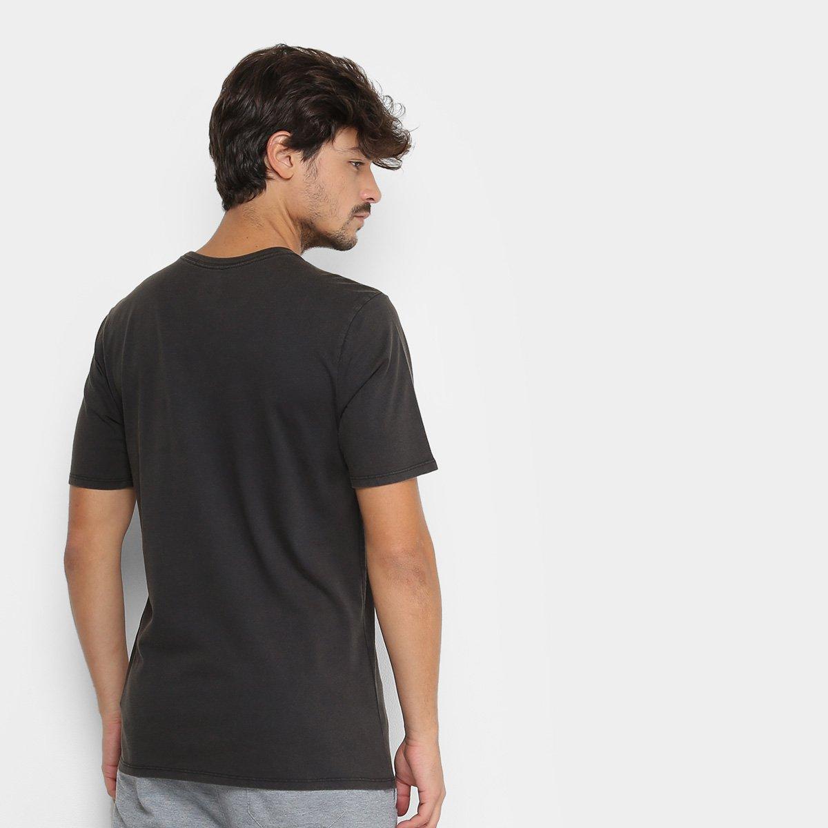 698f5ff678 Camiseta Nike SB Tee Vertical Dye Masculina - Preto e Branco ...