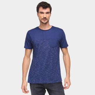 Camiseta Three Hands Com Bolso Masculina