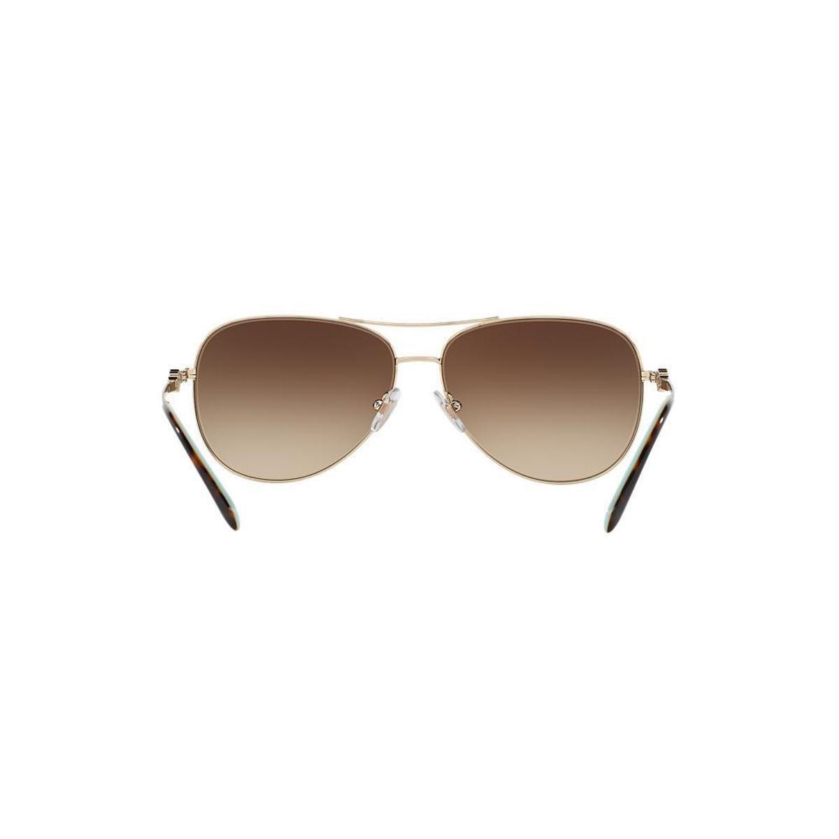 f1863df714307 Óculos de Sol Tiffany   Co. Piloto TF3052B Feminino - Marrom ...