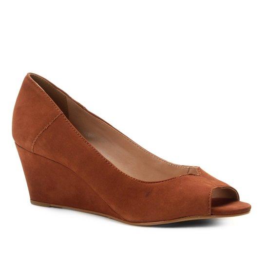 Peep Toe Couro Shoestock Anabela Nobuck - Caramelo