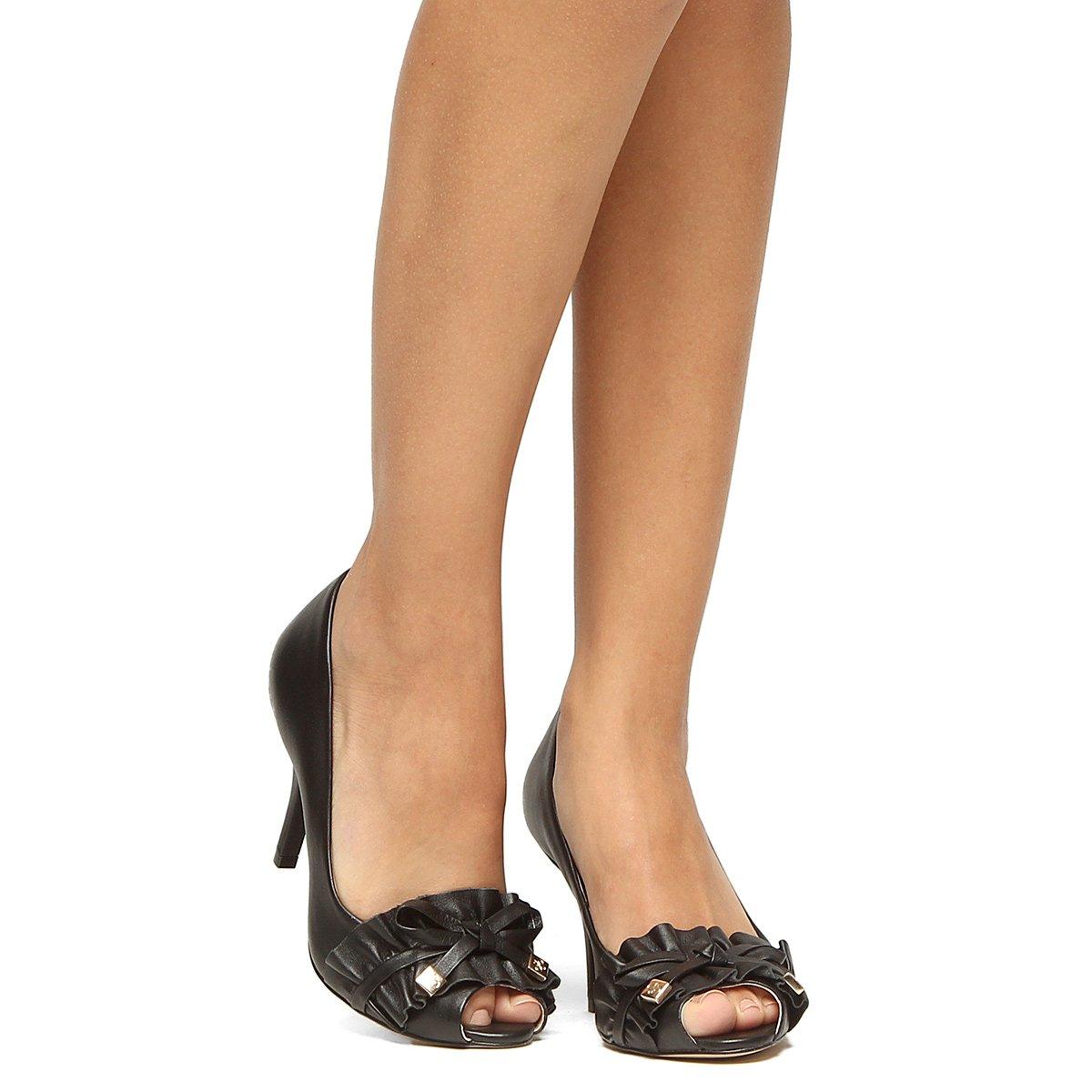 Preto Toe Peep Toe Babado Shoestock Salto Peep Couro Fino n8xwxCf